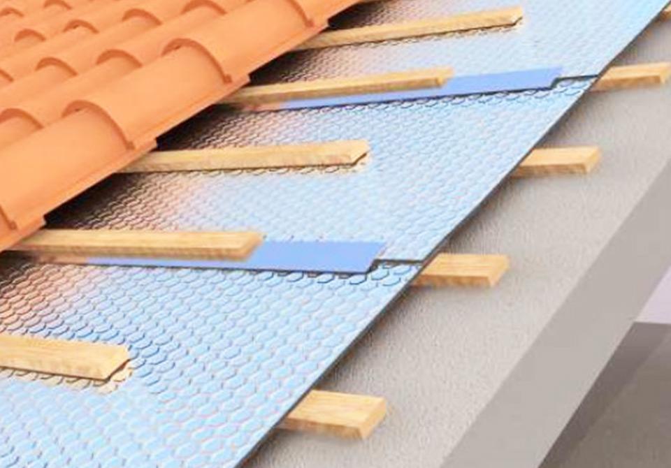 Isolamentos anti-humidade para tetos, paredes e divisórias com membranas impermeáveis